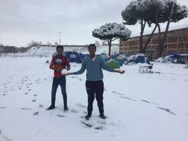 Piazzale Maslax Baobab Experience sotto la neve foto ricordo