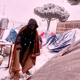 Piazzale Maslax Baobab Experience sotto la neve - si gela