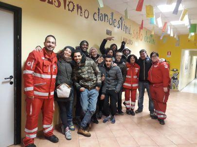 Volontari di Baobab Experience e della Croce Rossa Italiana